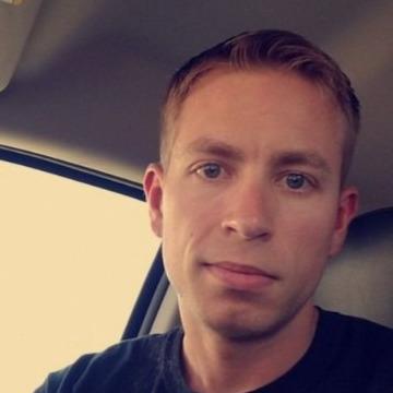 Curtis, 30, Sarnia, Canada