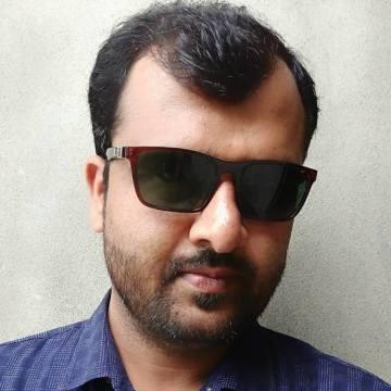 Sherazi, 35, Dubai, United Arab Emirates