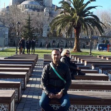 Atamna Amine, 40, Oran, Algeria