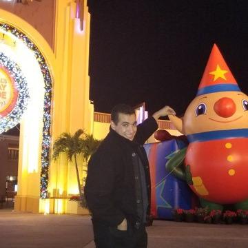 Youssef, 29, Orlando, United States