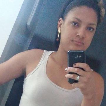 Anabel Ferreira, 24, Curitiba, Brazil