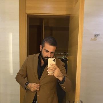 Zaman Zaman, 38, Istanbul, Turkey