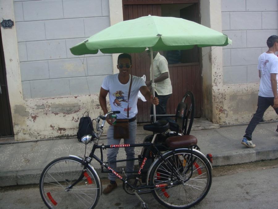 DANIEL SARABASA , 28, La Habana, Cuba
