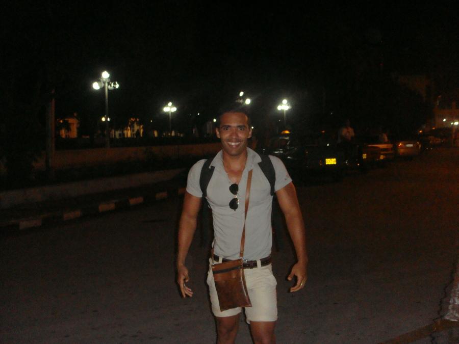 DANIEL SARABASA , 29, La Habana, Cuba