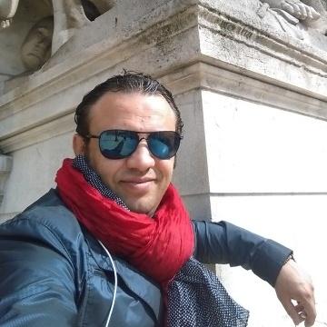 King Mahmoud Ahmed, 49, Cairo, Egypt