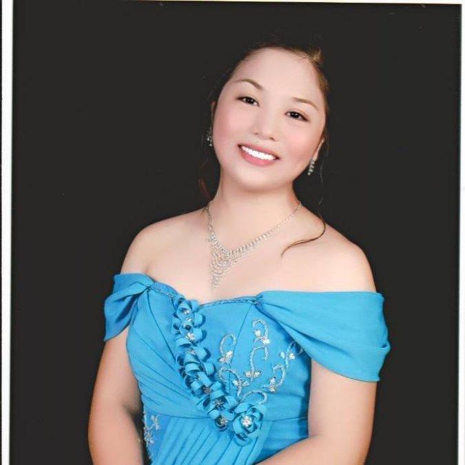 Charmaine, 28, Malolos City, Philippines