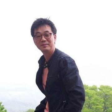 Wook-Mo Yang, 58, Seoul, South Korea