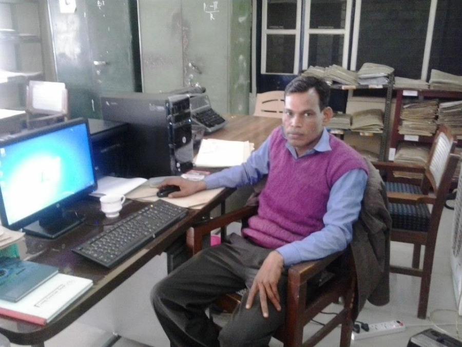 angan lal, 28, Bareilly, India