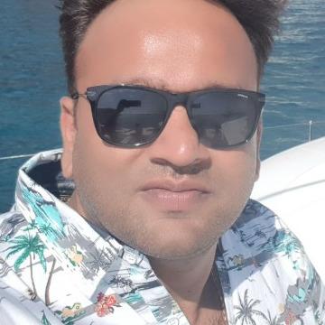 Ash, 43, Mumbai, India