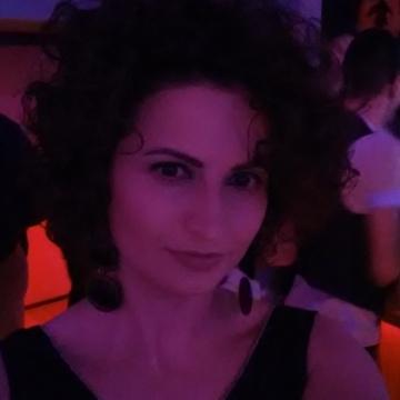 Beti, 34, Tirana, Albania