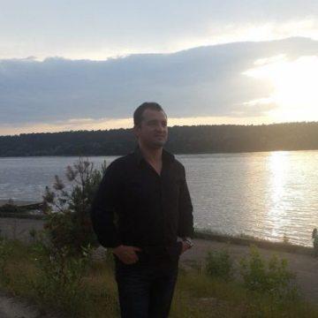 Serdar Yılmaz, 35, Krasnogorsk, Russian Federation