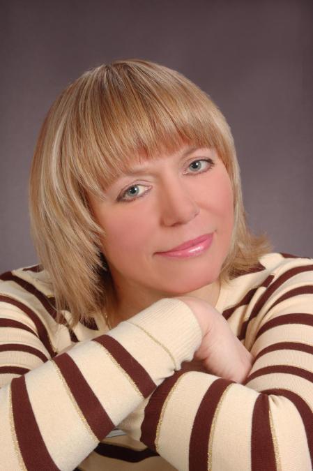 Elena, 48, Mariupol', Ukraine