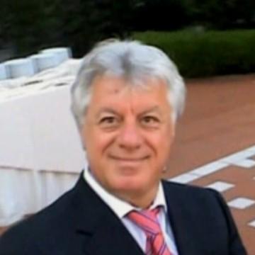 Beppe De Luna, 58, Bologna, Italy