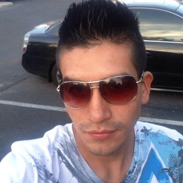 Adelfo, 31, Phoenix, United States