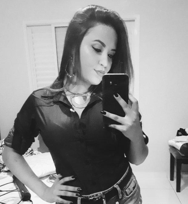 Bruna Santos, 24, Uberlandia, Brazil