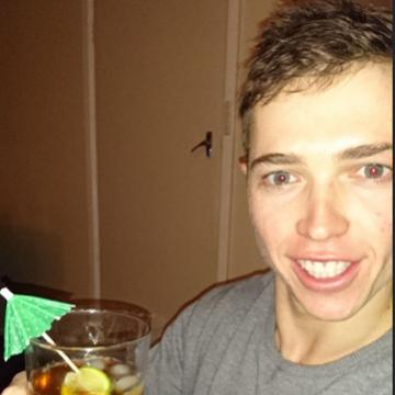Aaron, 28, Sydney, Australia