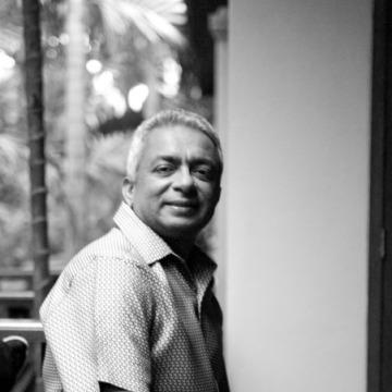 Jay, 60, Dubai, United Arab Emirates