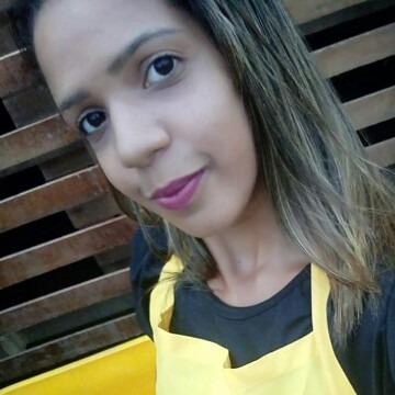 Larissa Pereira, 24, Recife, Brazil