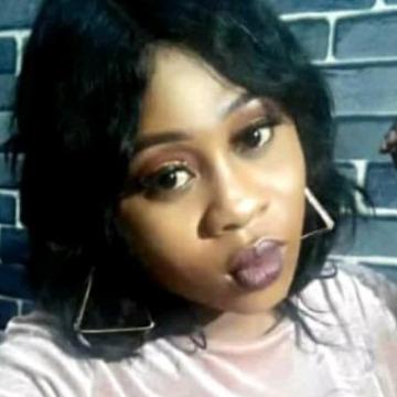 Omolola Oshineye, 29, Lagos, Nigeria