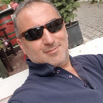 Taner, 41, Çanakkale, Turkey