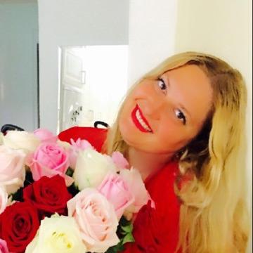 Eliana, 34, Dubai, United Arab Emirates
