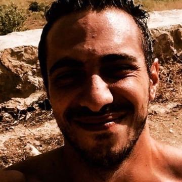 Hamzeh, 32, Dubai, United Arab Emirates
