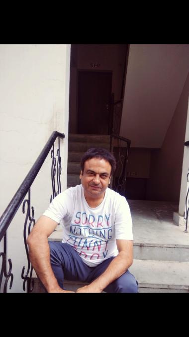 Zubin, 40, Ni Dilli, India