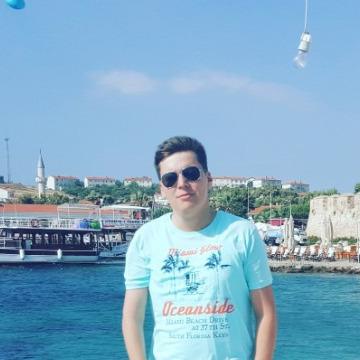 Aksel Cholakov, 34, Istanbul, Turkey