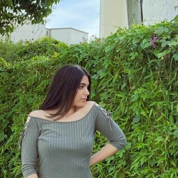 Soukaina, 26,