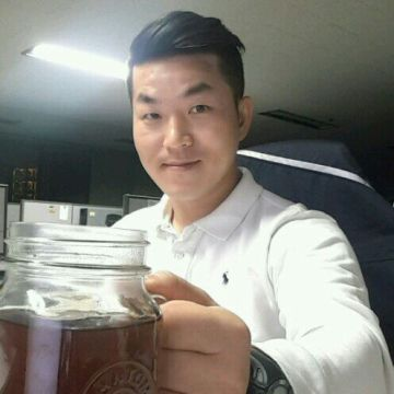Bruce Lee, 39, Seoul, South Korea