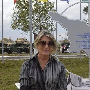 Georgia Graves, 35, Dakar, Senegal