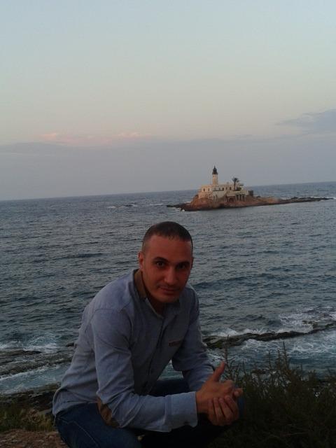 Ali, 40, Oran, Algeria