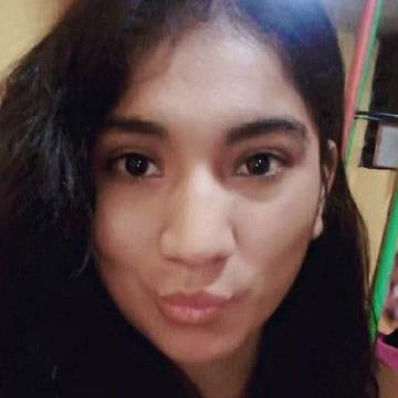 Denyse, 24, Chimbote, Peru