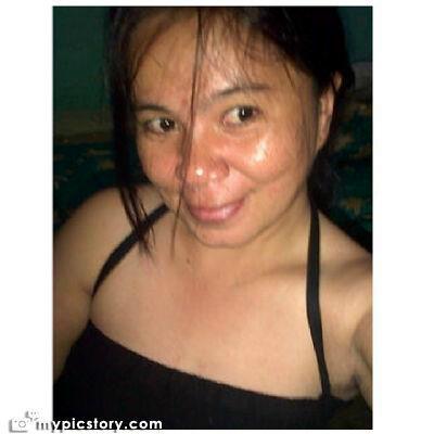 Dewi Lilyput, 40, Bandar Lampung, Indonesia