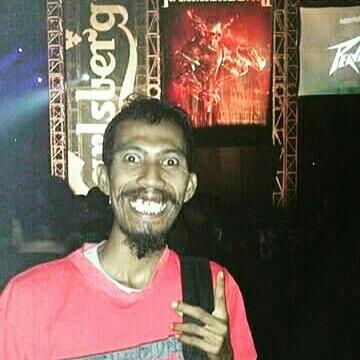 Robert, 37, Malang, Indonesia