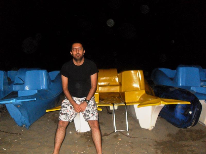 Ozgur, 36, Istanbul, Turkey