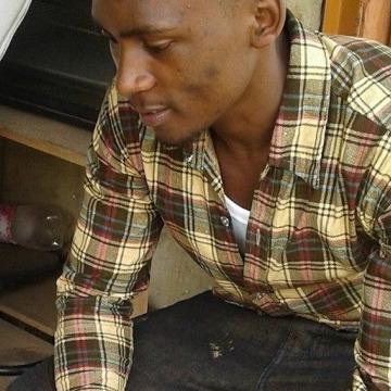 rogers, 24, Kampala, Uganda