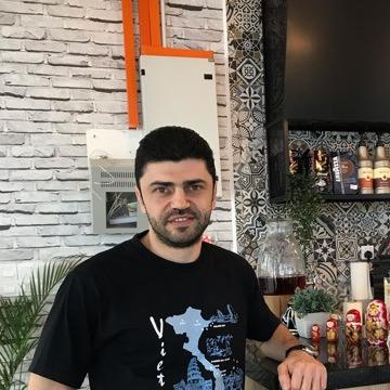 Yousef, 35, Kuala Lumpur, Malaysia