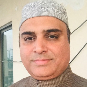 Wiki, 35, Karachi, Pakistan