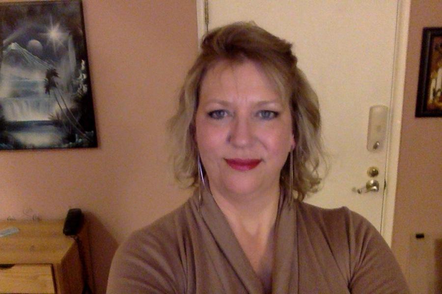 Lotuslauren, 56, St. Louis, United States