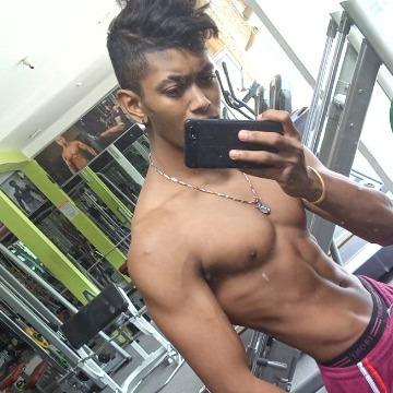 Osh, 18, Colombo, Sri Lanka