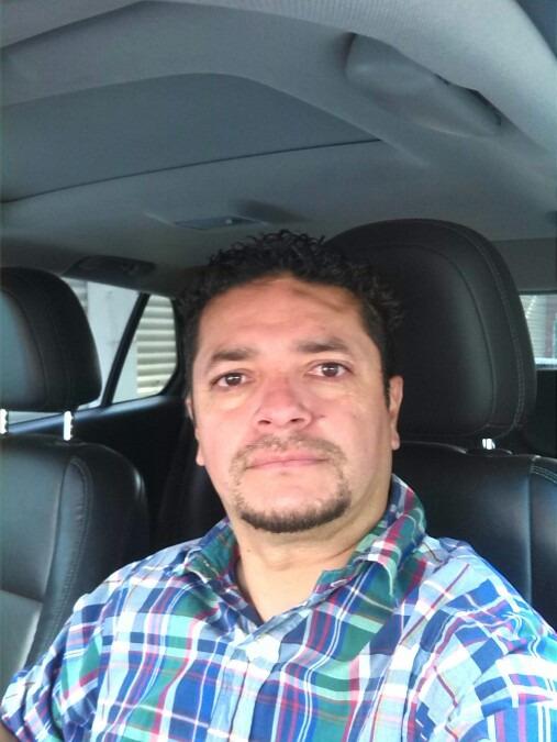 Oliver Fernández, 42, Irapuato, Mexico