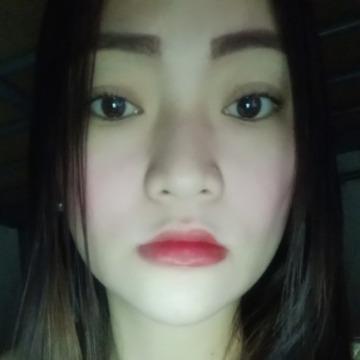 Tessa, 26,