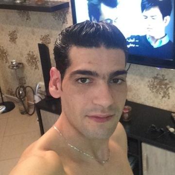 Moneem, 35, Dubai, United Arab Emirates