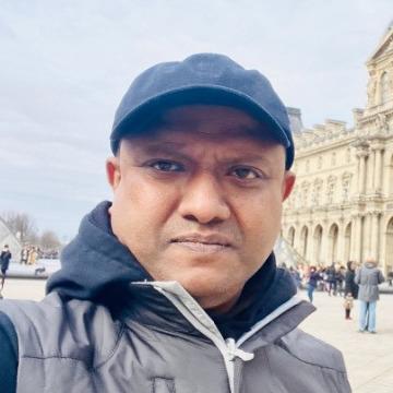 Hash, 43, Abu Dhabi, United Arab Emirates
