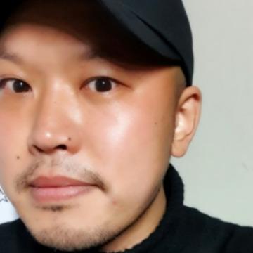 Taewon, 35, Seoul, South Korea