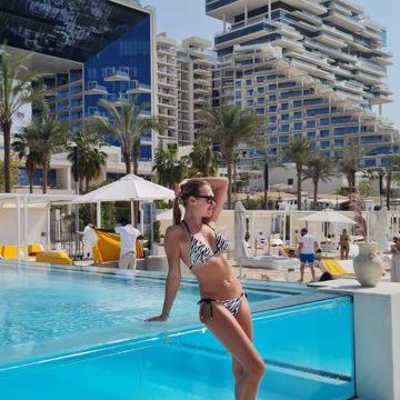Zuzana, 30, Dubai, United Arab Emirates