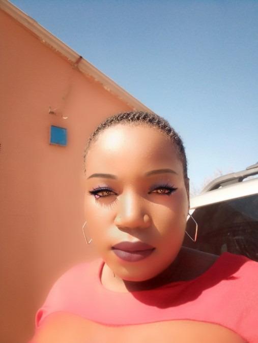 Justina, 24, Lusaka, Zambia