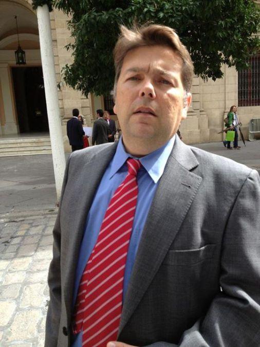Raul Conde, 51, Mairena Del Aljarafe, Spain