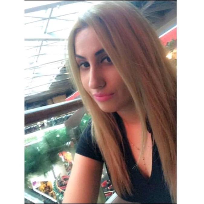 Caroline, 26, Perth, Australia